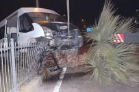 SEVINDIK - Alkollü Sürücü Aracıyla Birlikte Ağaca Çıktı Açıklaması 1 Yaralı