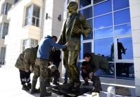 GAZI MUSTAFA KEMAL - Silifke Adalet Sarayı'na 3 Metrelik Atatürk Anıtı