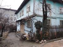 87 Yaşında Yalnız Yaşayan Şahıs Evinde Ölü Bulundu