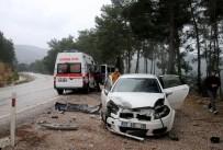 Antalya'da İki Ayrı Trafik Kazası Açıklaması 1'Si Ağır 6 Yaralı
