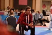 Burhaniye'de, Nazmi Öğretmen Sevenlerini Üzdü