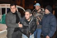 SURİYE - Gençler 1,5 Kilo Altın Çalan Hırsızı Yakaladı