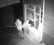 HIRSIZLIK BÜRO AMİRLİĞİ - Hırsızlar Güvenlik Kameralarına Yakalandı