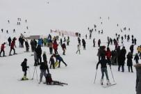 Kayak Merkezine Yoğun İlgi