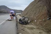 JANDARMA - Kula'da Trafik Kazası Açıklaması 2 Yaralı