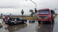 Manavgat'ta Trafik Kazası Açıklaması 3 Yaralı