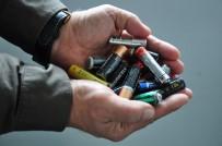 Milas'ta Toplanamayan Piller Tehlike Yaratıyor