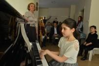 Miniklerden Büyüleyici Piyano Konseri