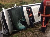 Sakarya'da Otomobil Şarampole Uçtu 1 Kişi Yaralı