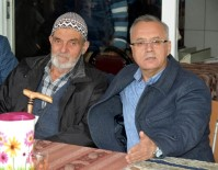 TAYTAN - Yol İçin Arazisini Bağışladı