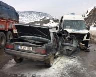 Yolcu Minibüsü İle Otomobil Çarpıştı Açıklaması 1 Ölü, 6 Yaralı