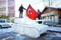 İNTERNET KAFE - 4 Ton Kar Kullanarak Tank Yaptılar