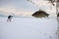 İBRAHIM ERDOĞAN - Buz Tutan Beyşehir Gölü'nde 'Eskimo' Usulü Balık Avı