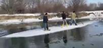Buzdan Sal Yapıp Nehrin Karşısına Geçtiler