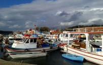 OLTA - Çeşme'deki Balıkçılar Barınaklarına Çözüm İstiyor