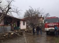 ELEKTRİK KONTAĞI - Denizli'de Ev Yangınında Bir Kişi Hayatını Kaybetti