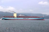 ÇANAKKALE BOĞAZı - Dev Gemi Boğazı Kapattı