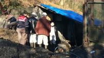 TÜRKİYE TAŞKÖMÜRÜ KURUMU - Futbol Sahasının Altına Kaçak Maden Açmışlar
