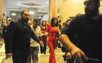 ŞARKICI - Hande Yener Gençlik Festivalinde Sahne Aldı