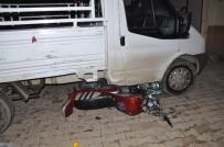 ÇAMLıCA - İslahiye'de Motosiklet Kamyonetin Altına Girdi