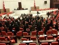 MECLIS GENEL KURULU - Meclis'te 'Ayağa Kalkma' eylemi