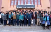 SOSYAL YARDıMLAŞMA VE DAYANıŞMA VAKFı - Yüksekova'daki Öğrencilere Kitap Yardımı