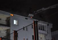 112 ACİL SERVİS - Alev Alan Çatı Korkuttu
