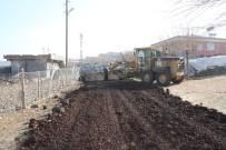 YOL ÇALIŞMASI - Bağlar'ın Sarıdalı Mahallesi'nde Yol Çalışması