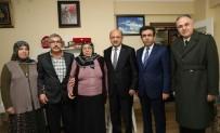 KOCAELİ VALİSİ - Bakan Işık'tan Şehit Ailesine Ziyaret