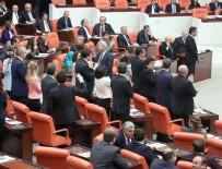 REJIM - CHP'den ayakta durma eylemi