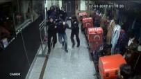 GÜVENLİK ÖNLEMİ - İstanbul'da Hırsızların Suçüstü Yakalandığı Operasyon Kamerada