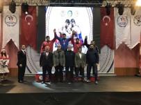 MİLLİ SPORCU - Kağıtsporlu Güreşçi Faruk Akkoyun Türkiye Şampiyonu Oldu