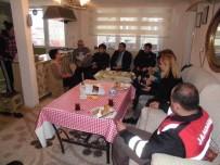 SOSYAL YARDıMLAŞMA VE DAYANıŞMA VAKFı - Kaymakam Şehit Ailelerinin Sorunları Dinledi