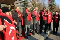 DERNEK BAŞKANI - Sivaslı Şehit Aileleri Ve Gazileri 'Şehitler Durağı'nı Ziyaret Etti