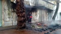 İKİNCİ EL EŞYA - Tarihi Hamamın Yanında Korkutan Yangın