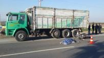 CENAZE - Tarsus'ta Feci Kazada Anne Öldü, Oğlu Ağır Yaralandı