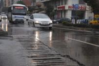 GÜNEŞLI - Aydın'da Aniden Gelen Yağış Hayatı Olumsuz Etkiledi