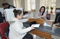 VATANDAŞLıK - Balıkesir'de 15 Bin Kişi Yeni Kimlik Başvurusu Yaptı