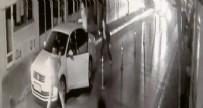 SİLAHLI KAVGA - Sokak ortasındaki silahlı kavga kamerada!