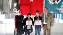 BRONZ MADALYA - Çamlıca Okulları Öğrencileri Satranç Turnuvasından Derece İle Döndü