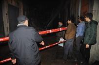 TARİHİ BİNA - İzmir'de Bina Çöktü, Faciadan Dönüldü