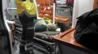 MOTOSİKLET SÜRÜCÜSÜ - Kulu'da Motosiklet Yayaya Çarptı Açıklaması 2 Yaralı