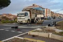 MEHMET TURAN - Ortaca'da Takla Atan Araç Kamyonun Altında Kaldı; 2 Yaralı