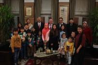 SATRANÇ - Sevgi Evleri'nde Kalan Çocuklardan Başkan Yılmaz'a Ziyaret