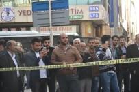 BOMBA İMHA UZMANI - Şüpheli Poşetin Fotoğrafını Çekmek İçin Yarıştılar