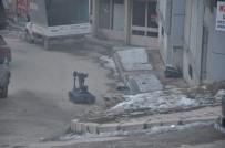 BOMBA İMHA UZMANI - Tunceli'de Şüpheli Bavul Polisi Alarma Geçirdi
