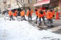 Aksaray Belediyesi, Karla Mücadelede Gece Gündüz Çalışıyor