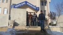 İPEKYOLU - Arazi Yüzünden Akrabasını Öldürdüğü İddia Edilen Şahıs Tutuklandı