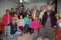 MESUT ÖZAKCAN - Başkan Özakcan Yeni Yıla Öztürk Çiftinin Evinde Girdi