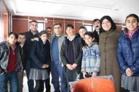 MEHMET NURİ ÇETİN - Kaymakam Çetin, Kütüphanede Ders Çalışan Öğrencileri Ziyaret Etti